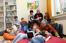 Lesen und wohlfühlen in der Bücherei©Oberschule Loccum